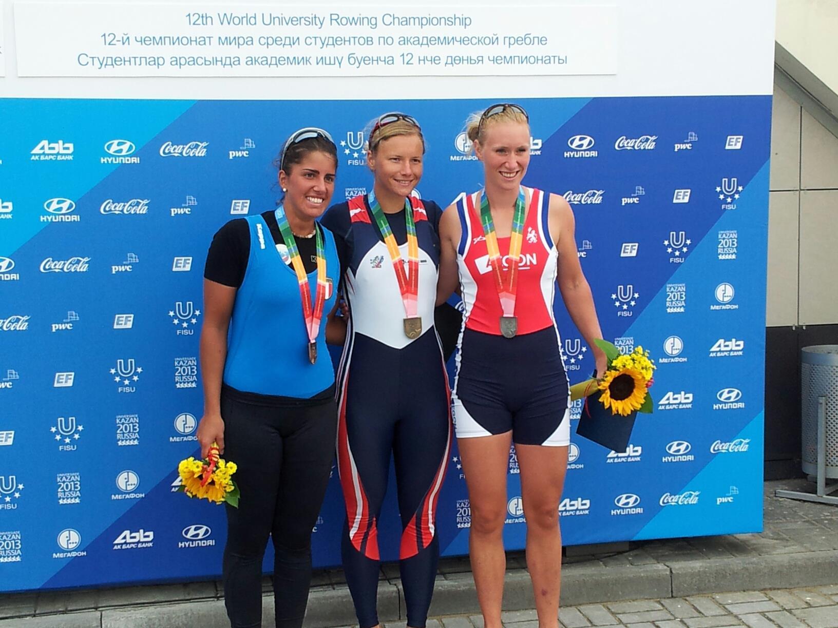 Lisa Scheenaard, meest rechts op deze foto